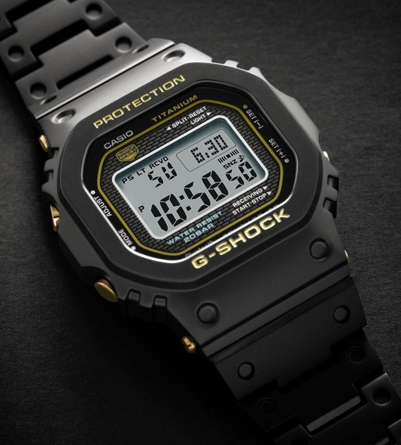 G-Shock Full Titanium GMW-B5000